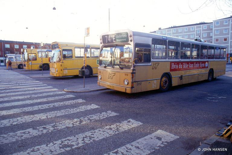 HT 919/ER88063 på Sundbyvester Pl. i København i februar 1994