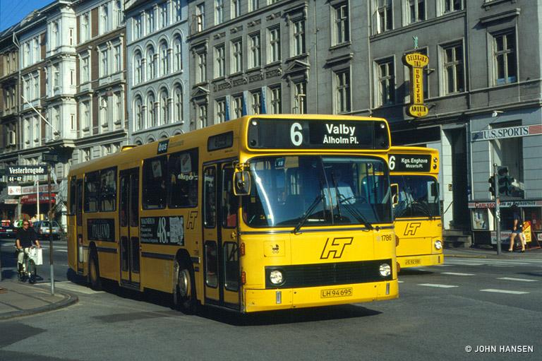 HT 1786/LH94695 på Vesterbrogade i København den 16. juli 1993