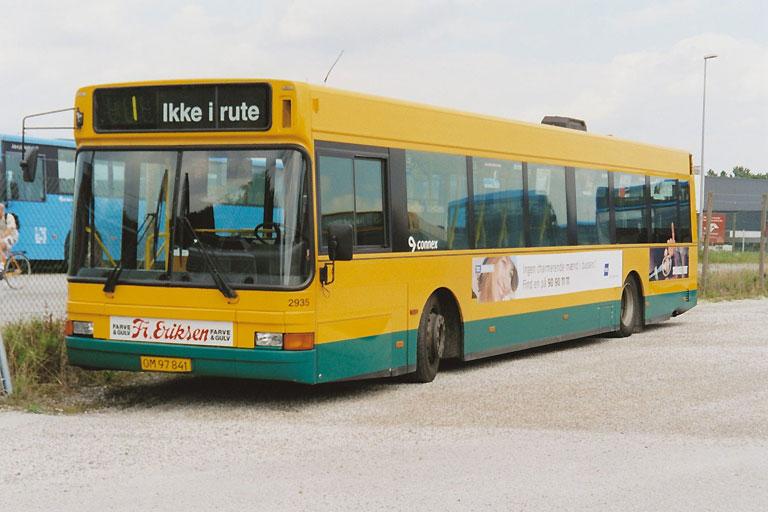 Connex 2935/OM97841 i garagen i Randers den 25. juli 2003