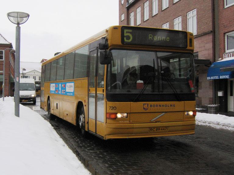 BAT 720/RC89447 på Torvegade i Rønne den 11. februar 2010