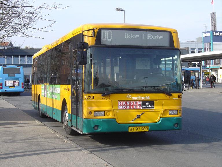 Nobina 6224/ST97909 på Randers Busterminal den 24. marts 2010