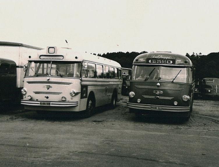 De Blaa Busser 6/XU80508 og Frederikshavn Omnibiler PH80511 ved DAB i Silkeborg