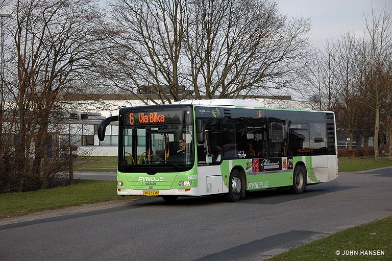 Tide Bus 8098/XK95236 på Klokkestøbervej i Odense den 31. marts 2010