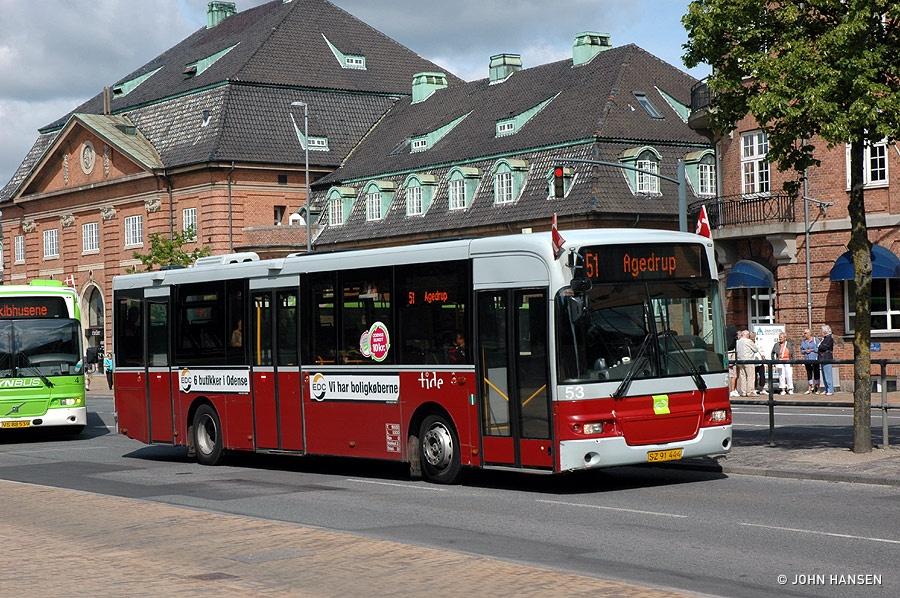 Tide Bus 53/SZ91444 på Østre Stationsvej i Odense den 15. juni 2011