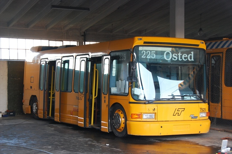 ES Bus 7525 i Sjælsmark den 21. november 2009