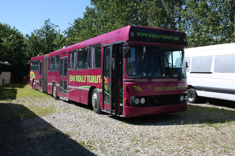 Ex. Jens Kolls Turist TM89877 ved Vejstruprød Busimport den 27. juni 2011