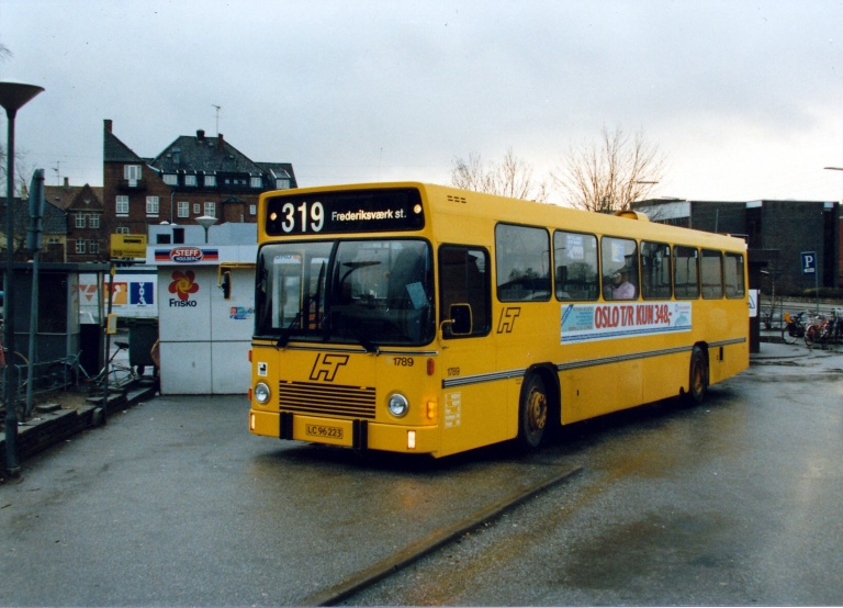 HT 1789/LC96223 på Frederikssund Rutebilstation i januar 1988
