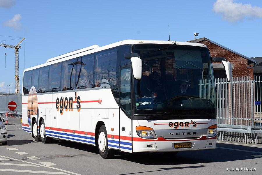 Egons Turist- og Minibusser 94/TN92103 ved Odense Banegård Center den 4. april 2015
