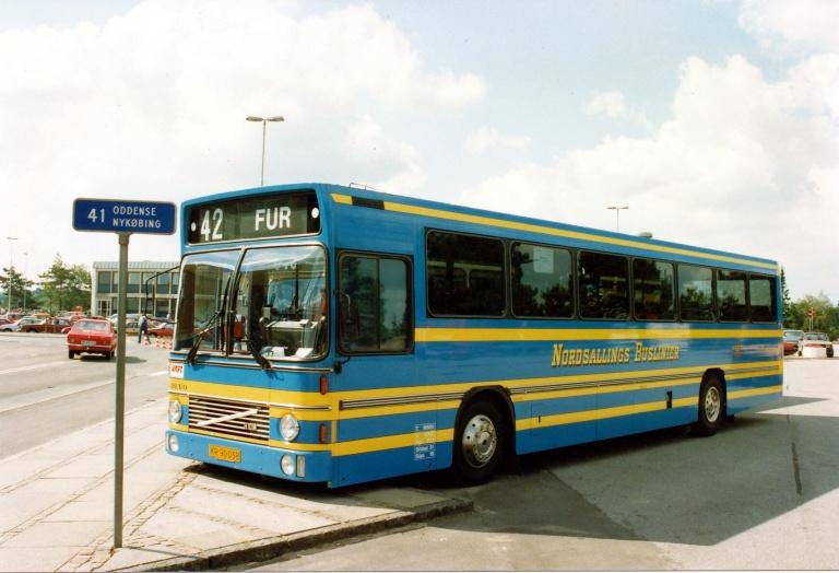 Nordsallings Buslinier KU90038 på Skive Rutebilstation i ca. 1990