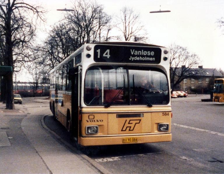 HT 584/BX90084 ved Svanemøllen Station i marts 1986