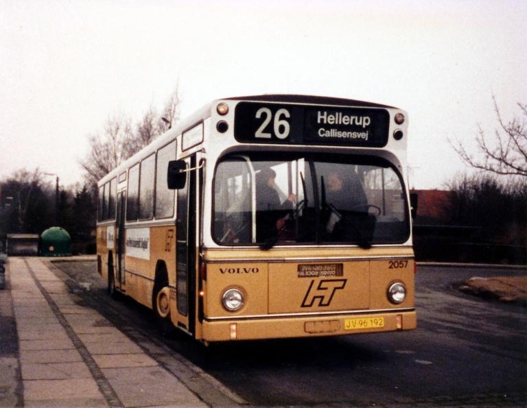 HT 2057/JV96192 ved Husum Station i marts 1986