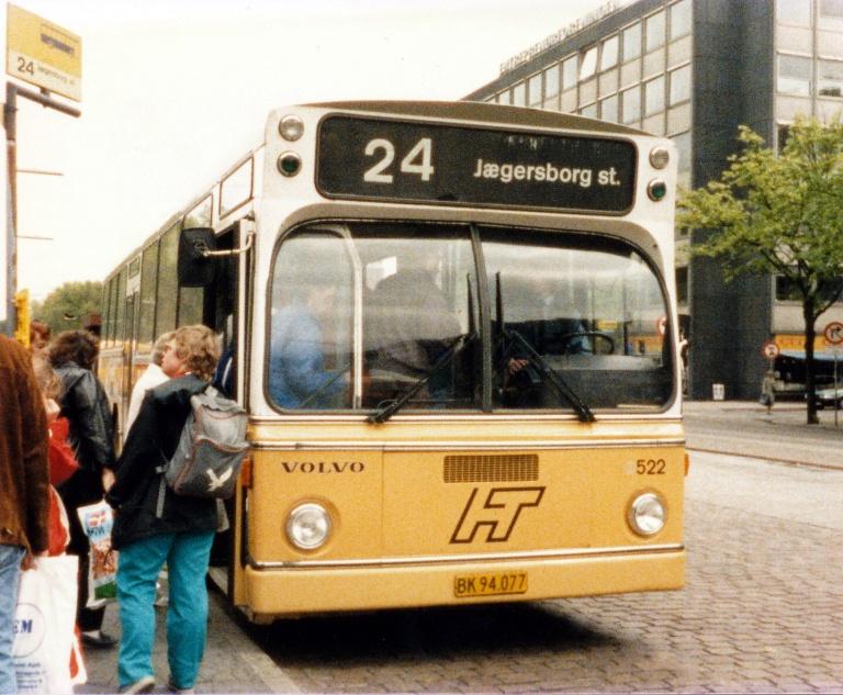 HT 522/BK94077 ved Nørreport Station i juni 1986