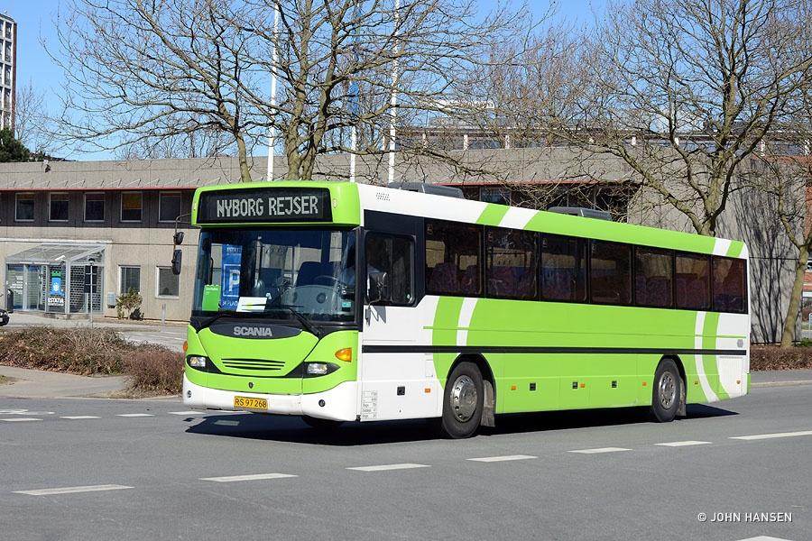 Nyborg Rejser 25/RS97268 på Dannebrogsgade i Odense den 4. april 2015