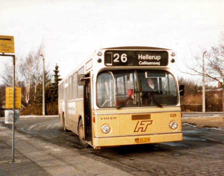 HT 526/BK97374 ved Husum Station i marts 1986