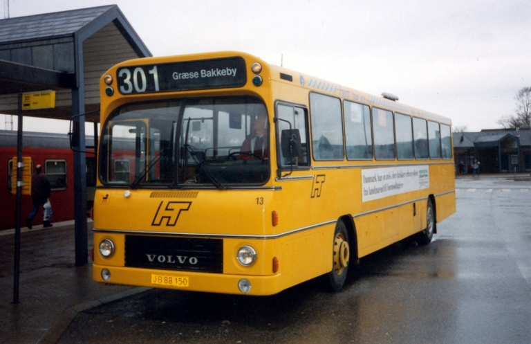 Fjordbus 13/JB88150 ved Frederikssund Station i 1994