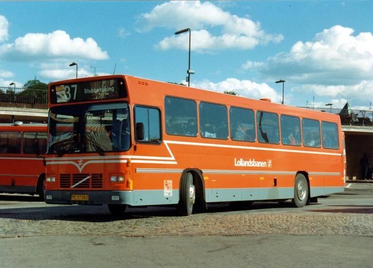 Lollandsbanen 123/MC97062 ved Nykøbing Falster Station i 1991