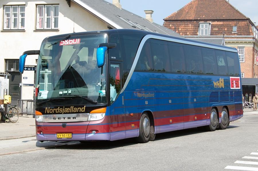 Nordsjællands Turistfart VY93132 ved Hellerup st. den 24. juni 2010
