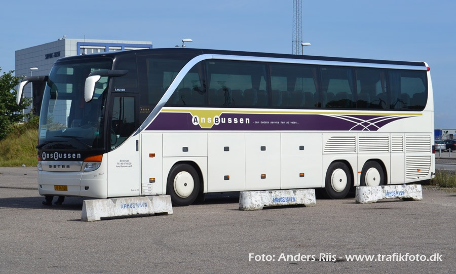 Ans Bussen UB96928 på havnen i Århus den 29. august 2012