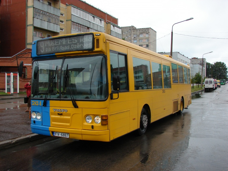 Liepajas Autobusu Parks 5834/FV6867 i Liepaja i Letland den 5. august 2008