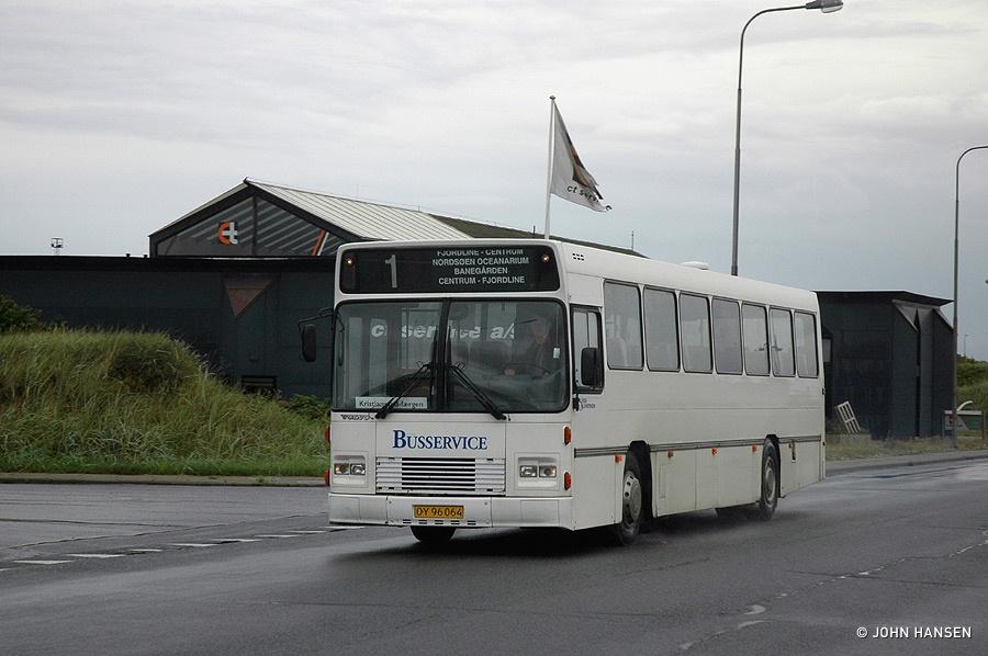 Vrå Busservice OY96064 på Willemoesvej i Hirtshals den 27. august 2011