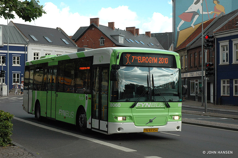 Tide Bus 8060/TN93554 på Albanigade i Odense den 13. juli 2010