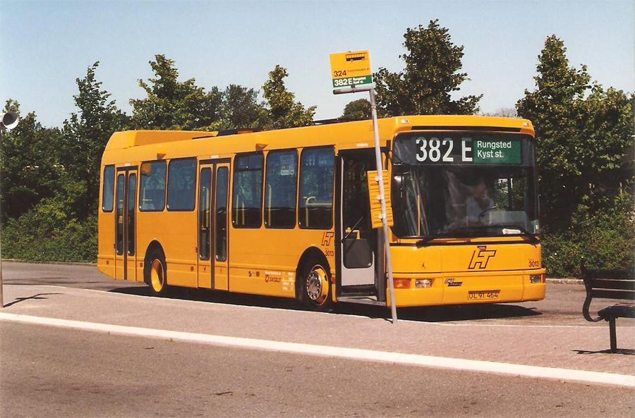 Swebus 3013/OL91464 ved Hillerød st. den 6. juli 1996