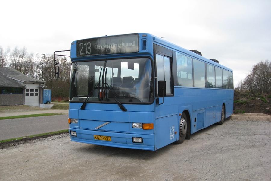 Hals Rute og Turisttrafik RS90131 i Dronninglund den 11. november 2011