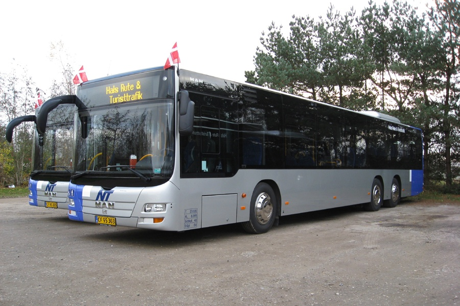 Hals Rute og Turisttrafik 245/CF95303 i Gandrup den 11. november 2011