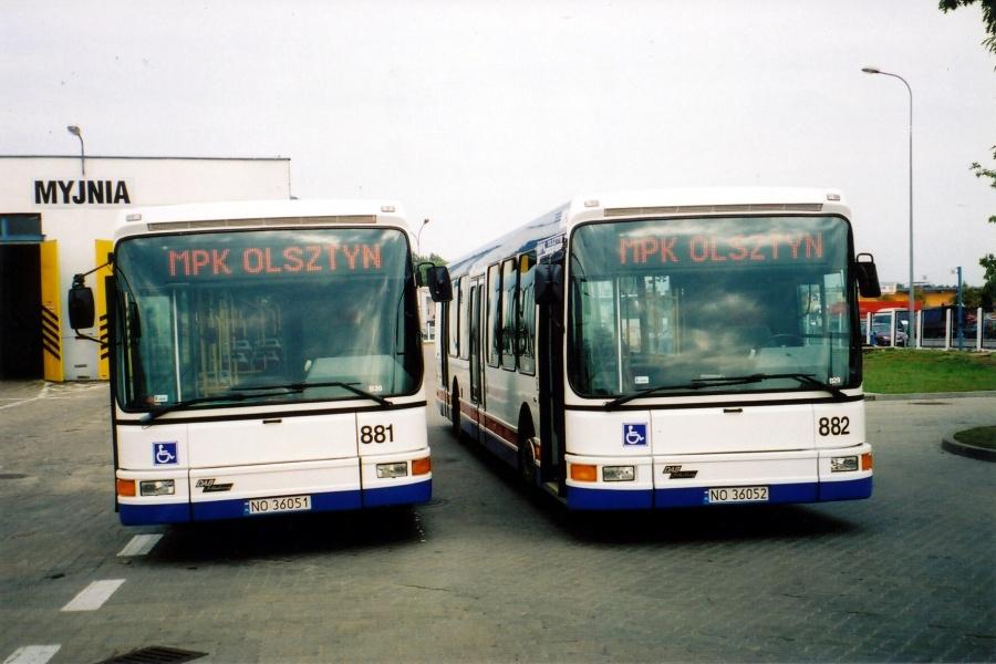 MPK Olsztyn 881/NO36051 og 882/NO36052 i garagen i Olsztyn i Polen den 28. august 2003