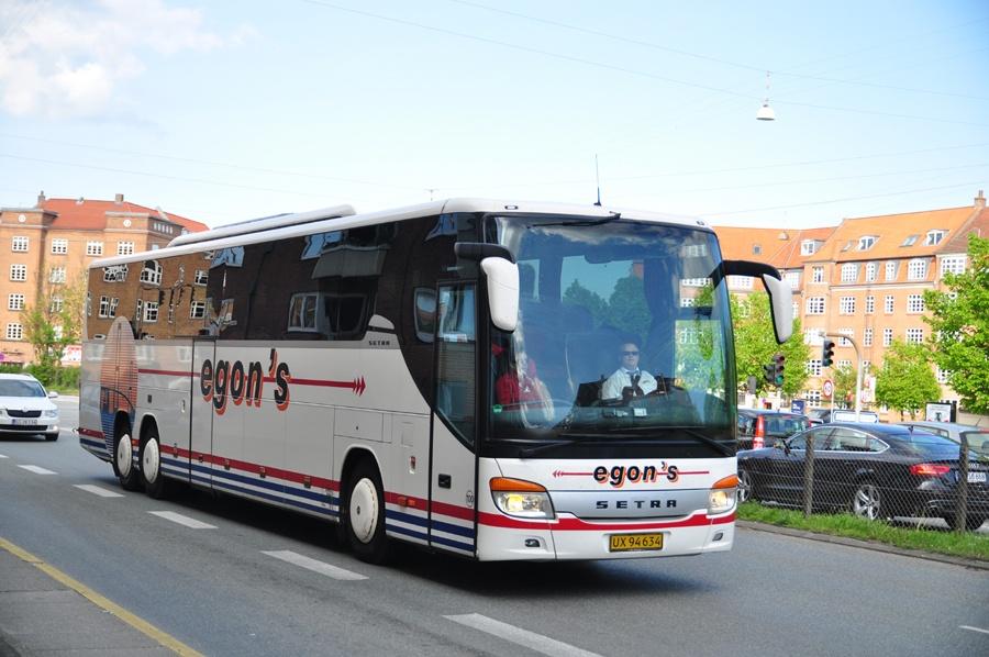 Egons Turist- og Minibusser 100/UX94634 på Skanderborgvej i Århus den 15. maj 2014