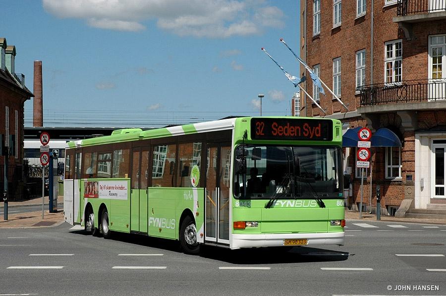 Tide Bus 8043/SM90323 ved Banegården i Odense den 27. maj 2010