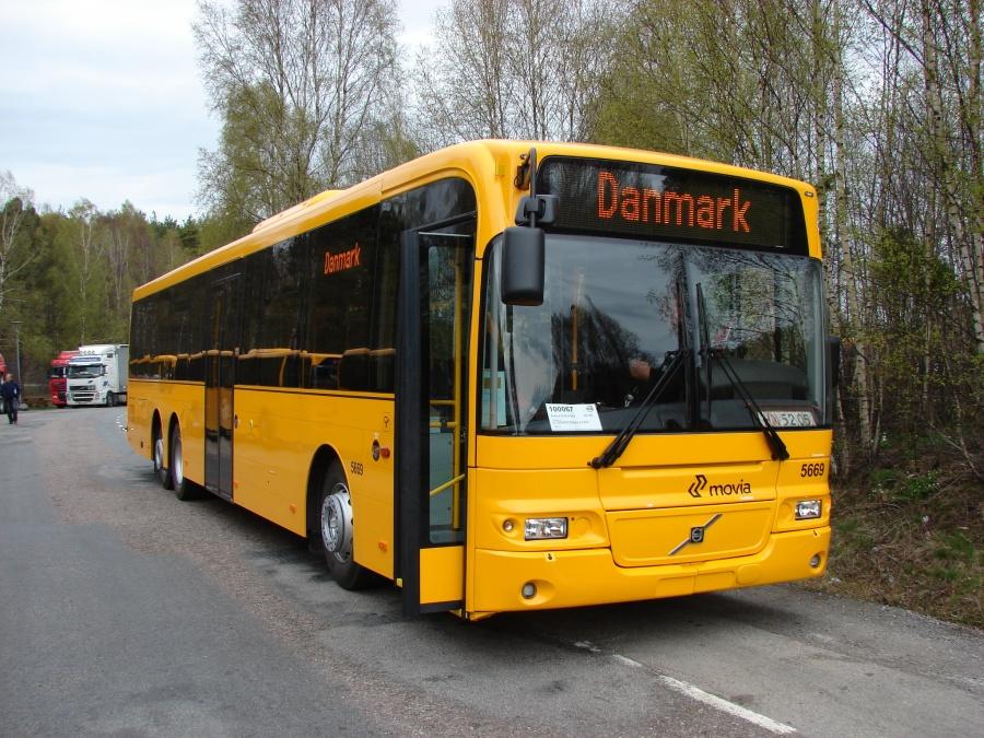 Arriva 5669 syd for Gøteborg i Sverige den 7. maj 2010