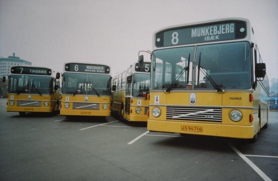 Vejle Bustrafik 31/JS94716, 30/JS94715, 32/JS94723 og 29/JR89516 ved Enghavevej i Vejle i ca 1985