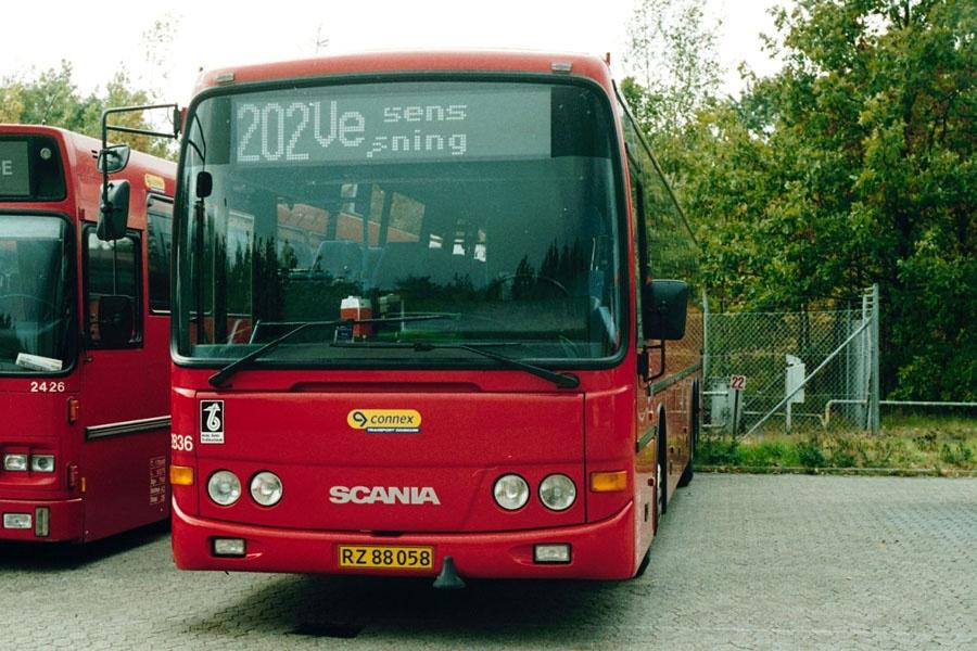 Connex 2836/RZ88058 i Horsens den 12. oktober 2002