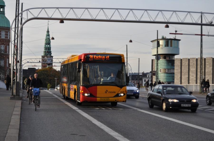 Arriva 1528/TX92527 på Knippelsbro i København den 13. oktober 2010