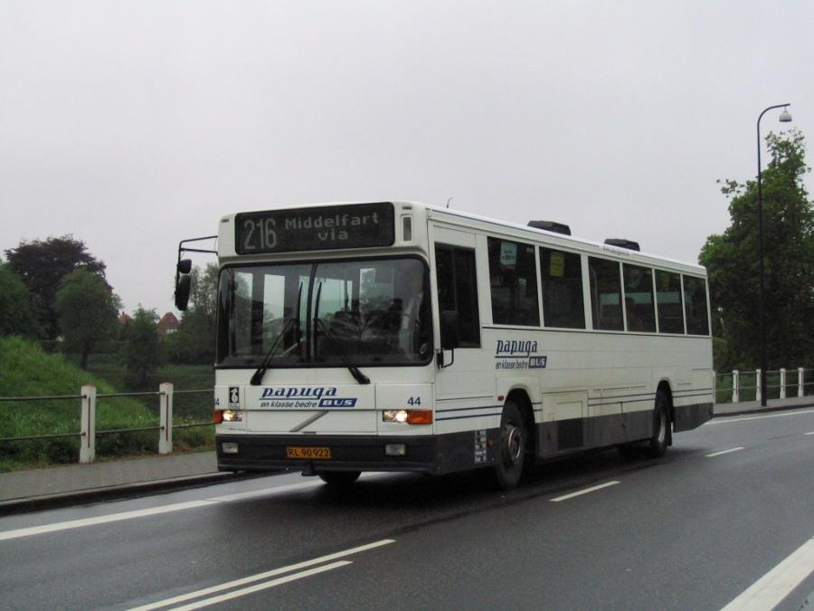 Papuga Bus 44/RL90922 på Danmarks Port i Fredericia den 16. maj 2006