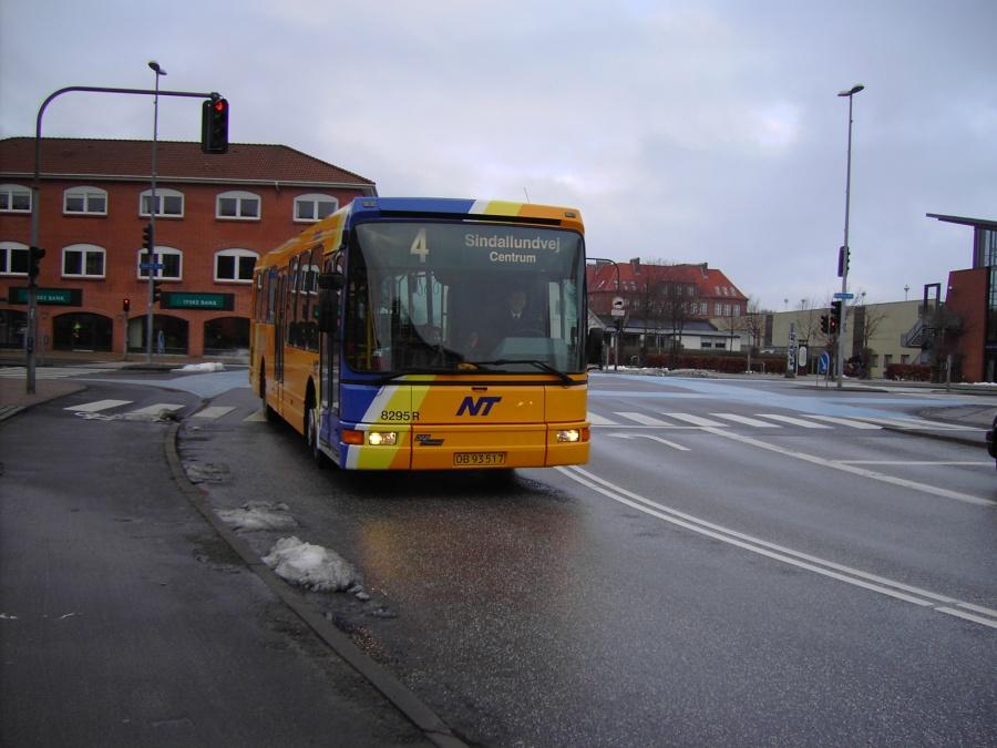 Connex 8295/OB93517 i Frederikshavn den 15. februar 2007
