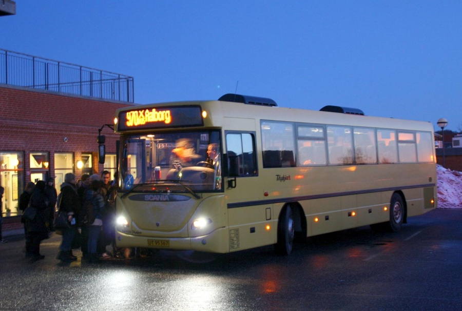 Bent Thykjær 232/UT95367 på Fjerritslev Busterminal den 2. marts 2010