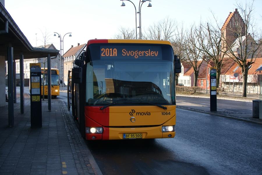 Arriva 1064/BF95500 ved Roskilde st. den 17. februar 2012