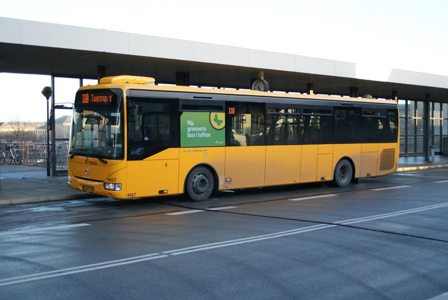 Lokalbus 4427/CW89175 ved Høje Taastrup st. den 17. februar 2012