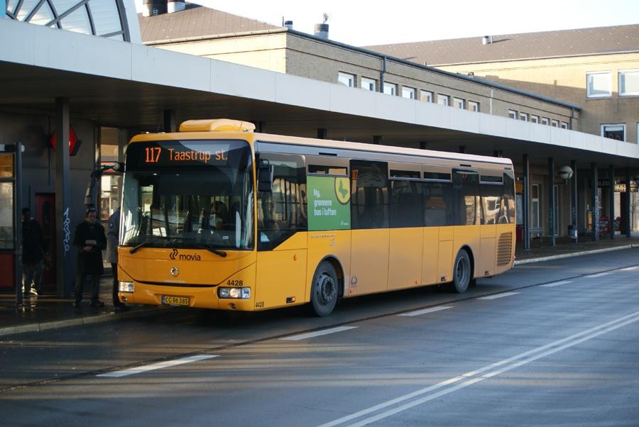 Lokalbus 4428/CG96385 ved Høje Taastrup st. den 17. februar 2012