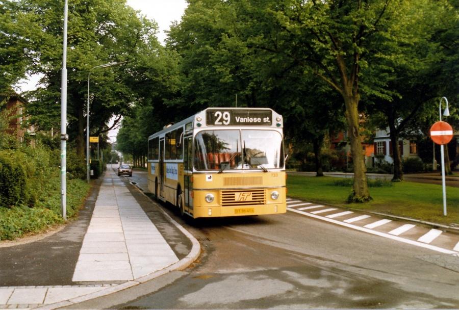 HT 733/DT96414 ved Femte Juni Plads på Frederiksberg i juli 1987