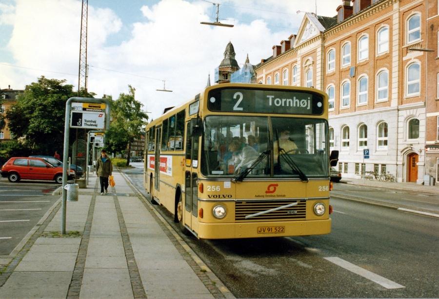 Aalborg Omnibus Selskab 256/JV91522 ved Banegården i Aalborg i 1989