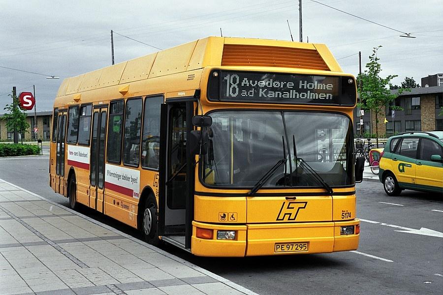 Connex 5174/PE97295 ved Friheden Station den 9. juni 2004