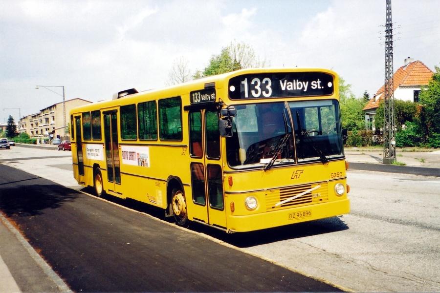 Connex 5250/OZ96896 på Vigerslevvej i Valby i 2001