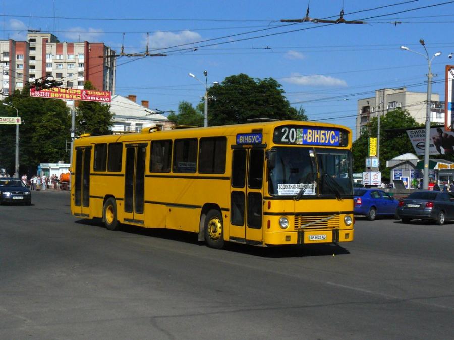 Vinbus AB8422AE i Vinnitsa i Ukraine den 30. juni 2009