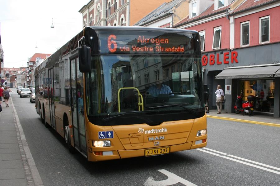 Århus Sporveje 653/XJ91293 på Nørre Allé i Århus den 11. juli 2011
