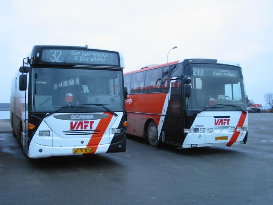 Bendt Krogh SC91848 og OP96204 på Nykøbing Mors Rutebilstation den 13. februar 2006