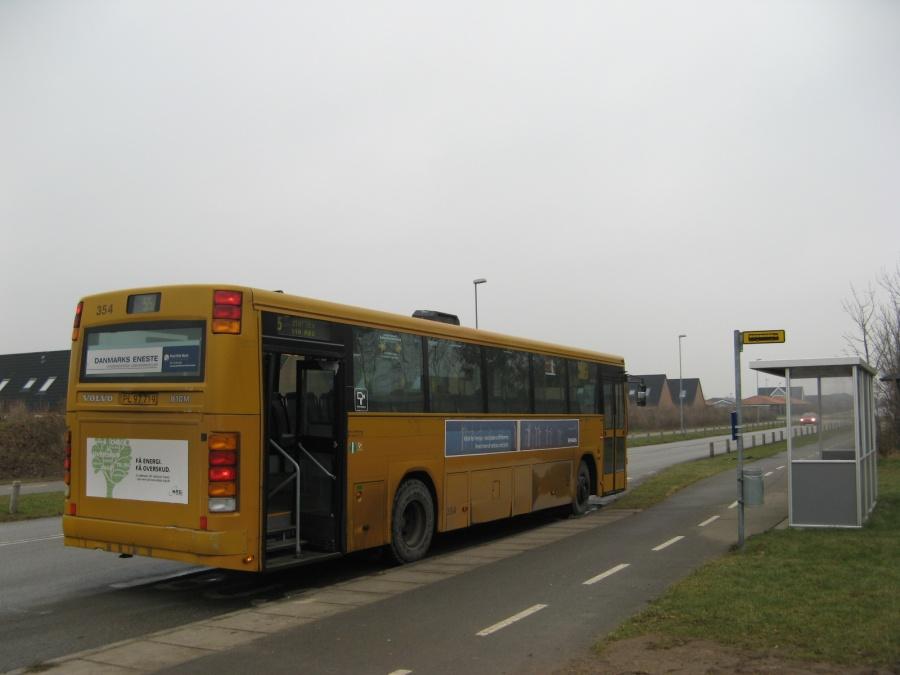 Århus Sporveje 354/PL97719 ved endestationen i Harlev den 11. januar 2009