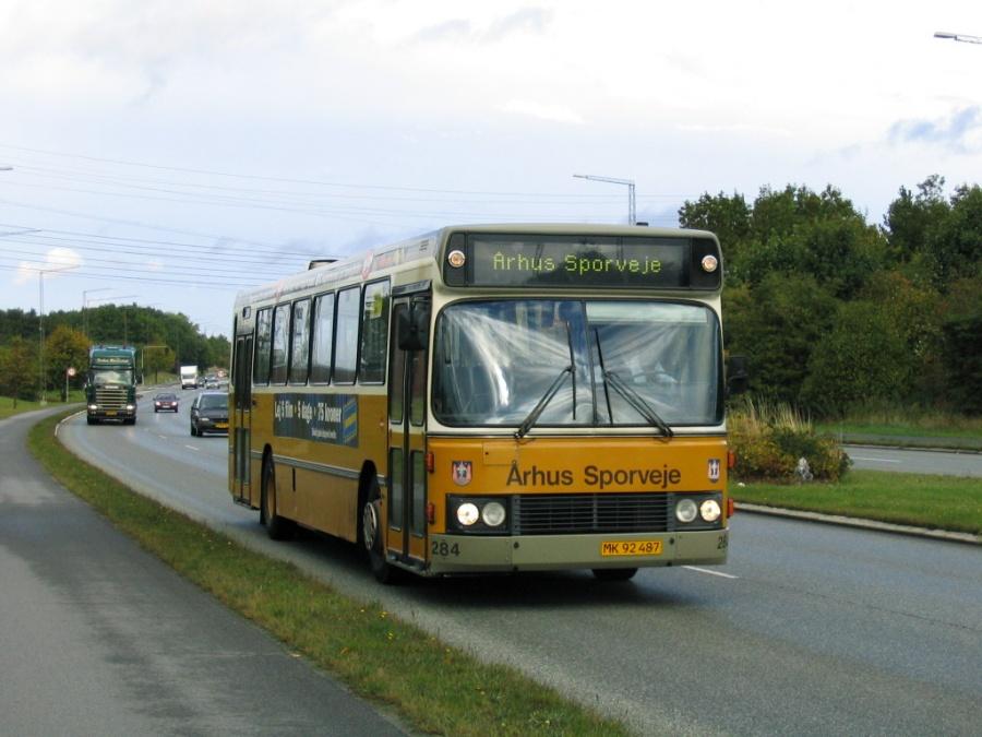 Århus Sporveje 284/MK92487 på Åby Ringvej i Hasle den 28. september 2005
